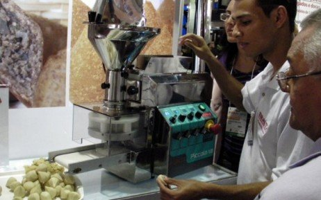 Maquina de fazer salgados preço mercado livre